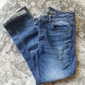 AE Tomgirl jeans size 6